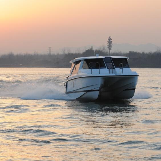 Limousine trên mặt nước | Aquila 36 Excursion