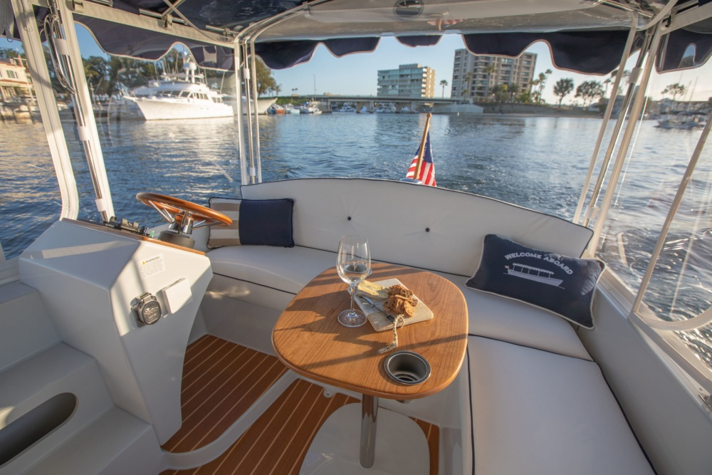 Duffy Electric Boats 18 Snug Harbor Interior 2020 22 Scaled