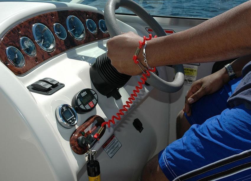 Ngắt an toàn trên thuyền