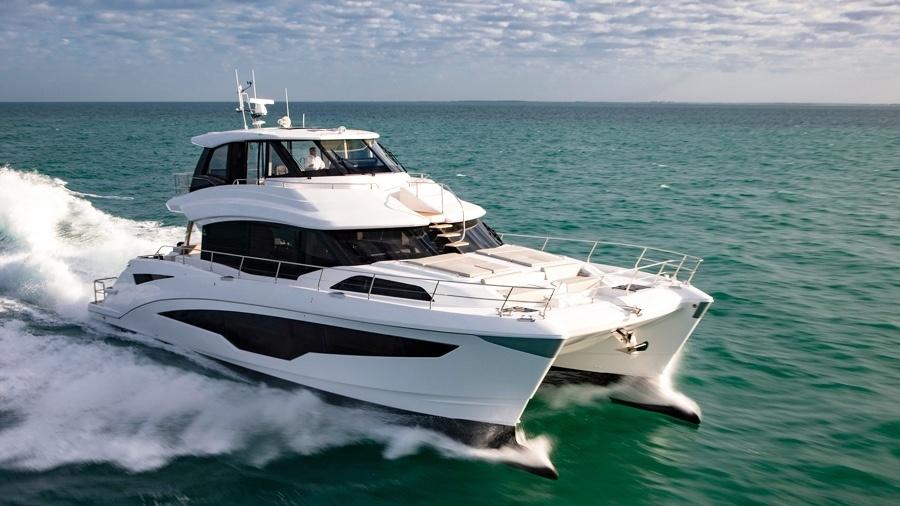Aquila 70 - Chiếc du thuyền hai thân nổi vật nhất triển lãm