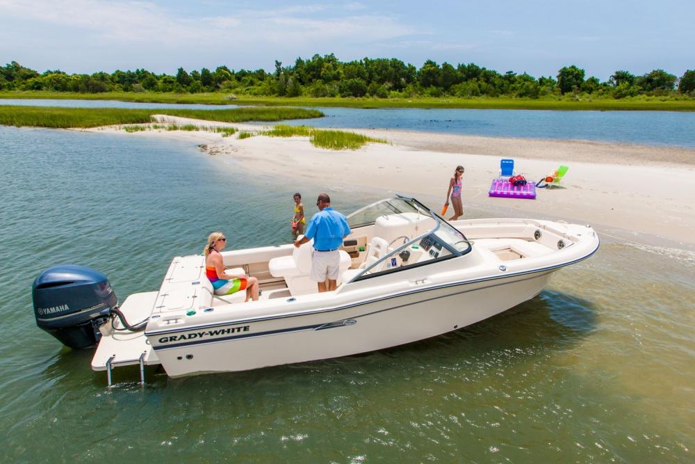"""Được mệnh danh là dòng thuyền """"do-it-all"""" boats"""