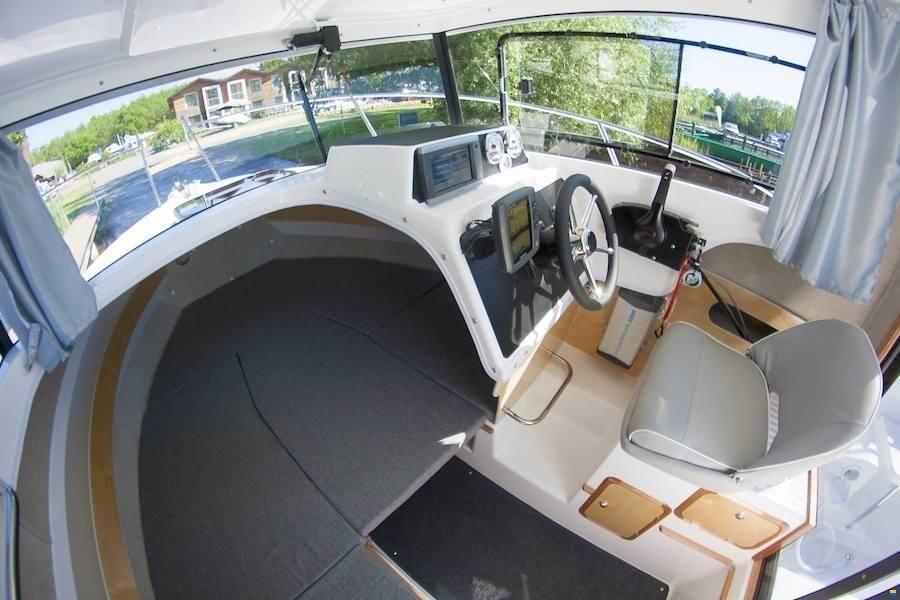Cabin Monaco 645